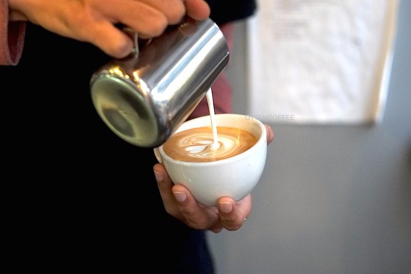 secangkir-cerita-di-downtown-coffee