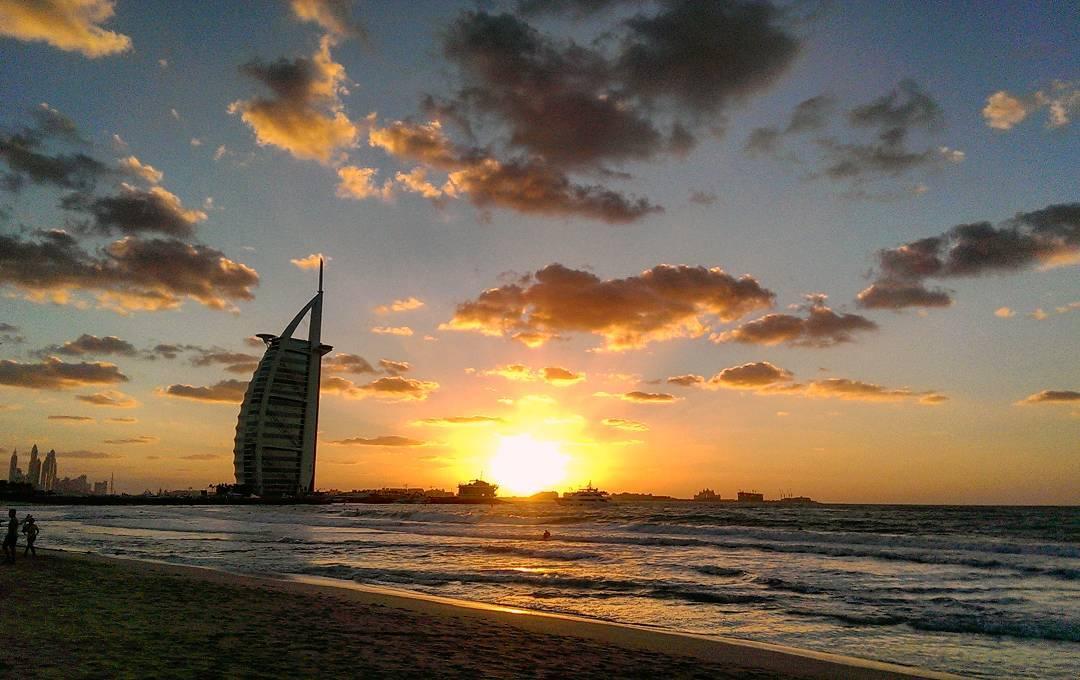 Menjelajah Dubai dan Sekitarnya
