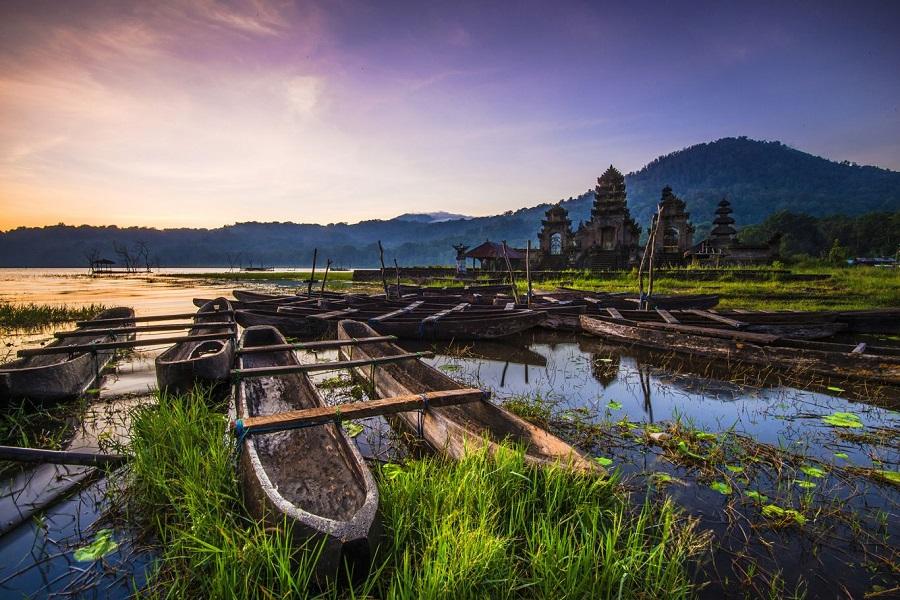 fakhri anindita keliling indonesia sebagai travel photographer