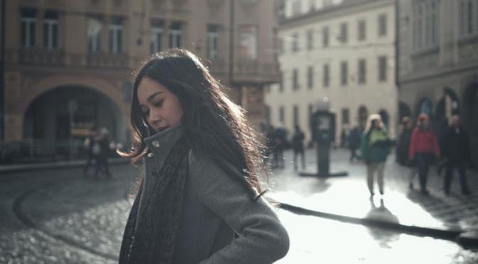 Cerita Aura Kasih Kedinginan saat Syuting di Jerman